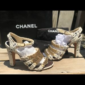 Chanel 38.5 Tweed CC chainlink strappy sandal heel